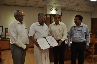 Cochin  Shipyard donates Rs. 10 Crore to the Flood Relief Fund
