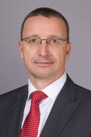 Martin Schwenk  to be  the new Managing Director and CEO of Mercedes-Benz India